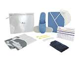 GÉNÉRALE DE SANTÉ OUTPATIENT KIT (PVC) | Personalised PVC case with cap, gown and slippers, disposable boxers, toothbrushes with toothpaste, shoehorn, bags for the patient's clothes and shoes, and outpatient information card.