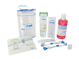 KIT DE ENJUAGUE BUCAL RIOJASALUD | Neceser ovalado de PVC que contiene un kit dental educativo (con 2 cepillos y tubo dentífrico), una botella de enjuague bucal, una regla marcapáginas y un díptico con consejos sobre higiene bucal.